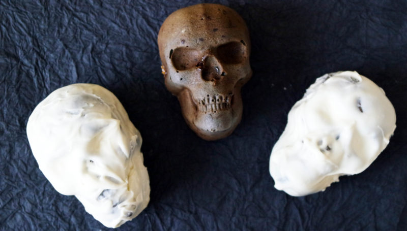Spooky Skull Cakes