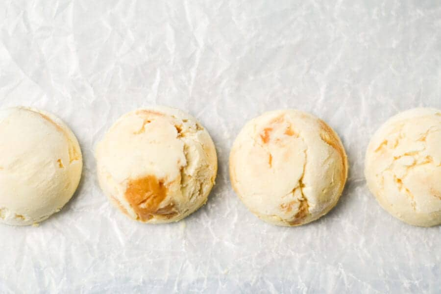 horizontal line ups of cheesecake fat bombs